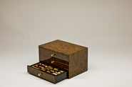 Wooden collection / 3-drawer box / Standard (48 dates) / Almond finish